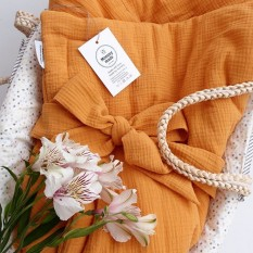 Муслиновые одеяльца набирают популярность! Я рада, что вы оценили их😉 Это идеальный вариант для выписки весной/летом/осенью.  А ещё очень практично - после используется как обычное одеялко/плед  Размер 100*100  Цена 690 грн  Расцветки разные .  #муслиновыепеленки #муслиновоеодеяло #муслиновыйпледукраина