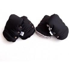Классические чёрные муфты подойдут под большинство колясок. Смотрите всю подборку в карусели . Муфточки тёплые: 2 слоя утеплителя Hollowsoft. Мягенький подклад и водоотталкивающая ткань 💵 Однотон 450 грн 💵 Принт 490 грн  #муфтыmommymade